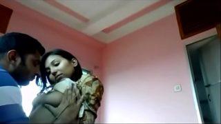 कन्या की लवर से फूडी चुड़वते हुए हॉट ब्लू फिल्म