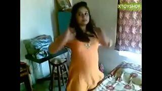 सेक्सी कॉलेज गर्ल की चुत छोड़ते हुए कामसुत्रा देसी क्स्क्स्क्स क्लिप