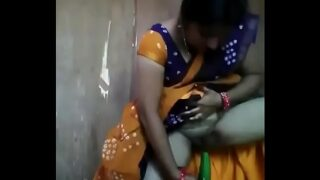 राजस्थानी आंटी ने ककड़ी से चुत छोड़ी